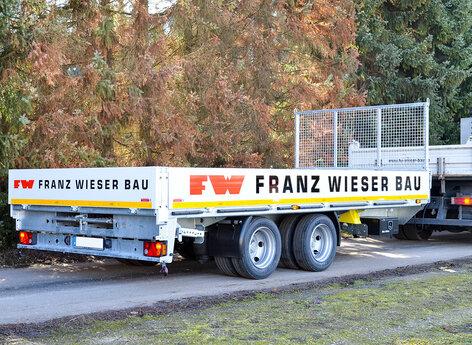 Bauunternehmen Anhänger mit Folie beschriftet