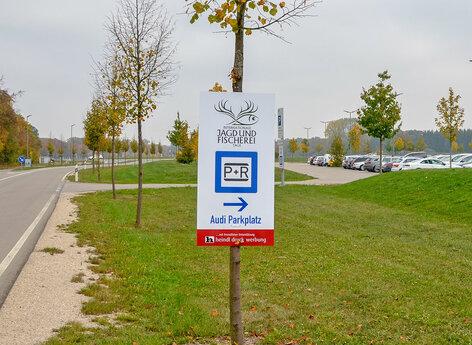 Hinweisschild Park + Ride