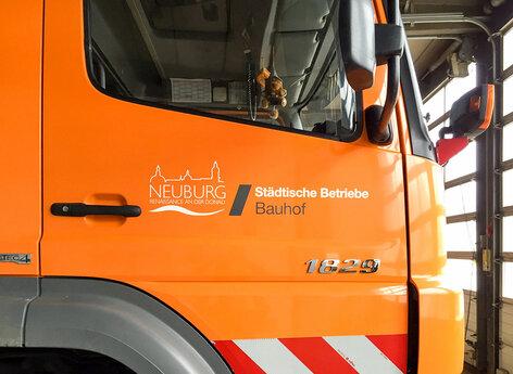 Beschriftung von Fahrzeugen für städtische Betriebe