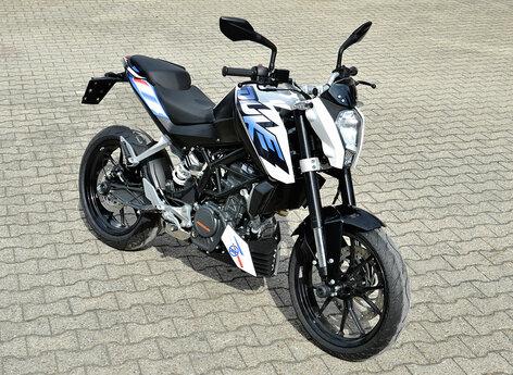 Motorrad mit Folien Beschriftung