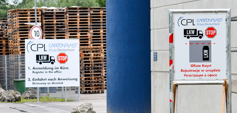 Schilder für LKW-Anlieferungen, mehrsprachig