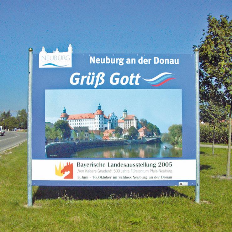 Großplakatschild für Stadteingang