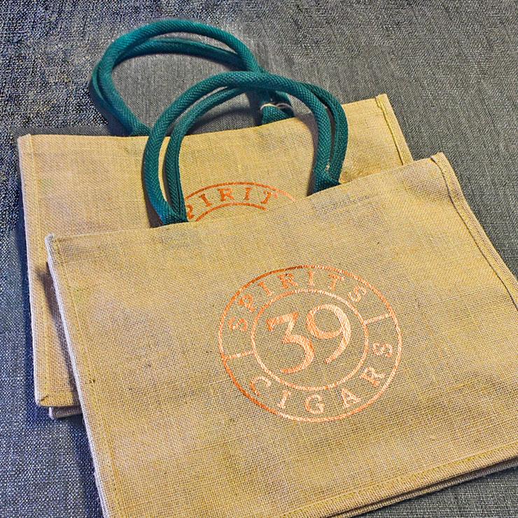 Jutetaschen mit Logo aus metallic Folie