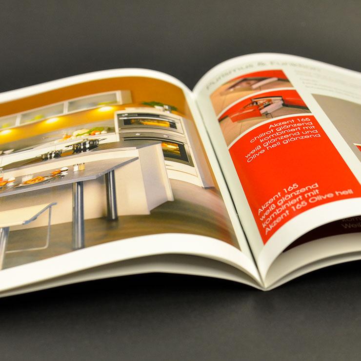 Hochglanz-Prospekte und Kataloge