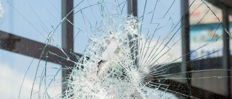 Folie zum Splitterschutz für Fenster und Glasflächen
